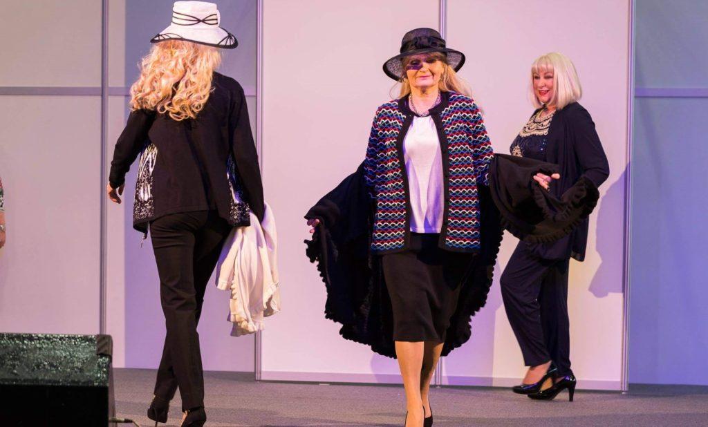 Modenschauen Donna tgl 11.30-12.30 Showbühne